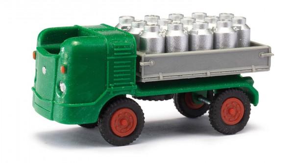 M21 mit Milchkannen
